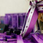 фиолетовый с белым