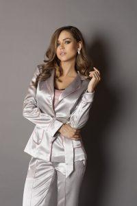 серебрянный костюм