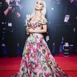Платье с розовыми цветками